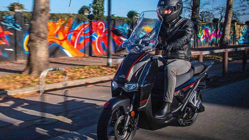 Motos et scooters électriques : un microcrédit pour faciliter l'achat