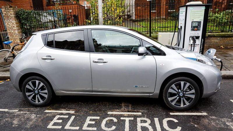 Les majors pétrolières peuvent-elles rendre la recharge des véhicules électriques payante?