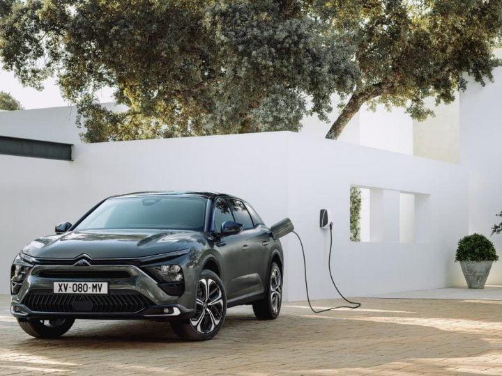 Avec le C5 X PHEV, Citroën vise la classe luxe |  Elektroauto-News.net
