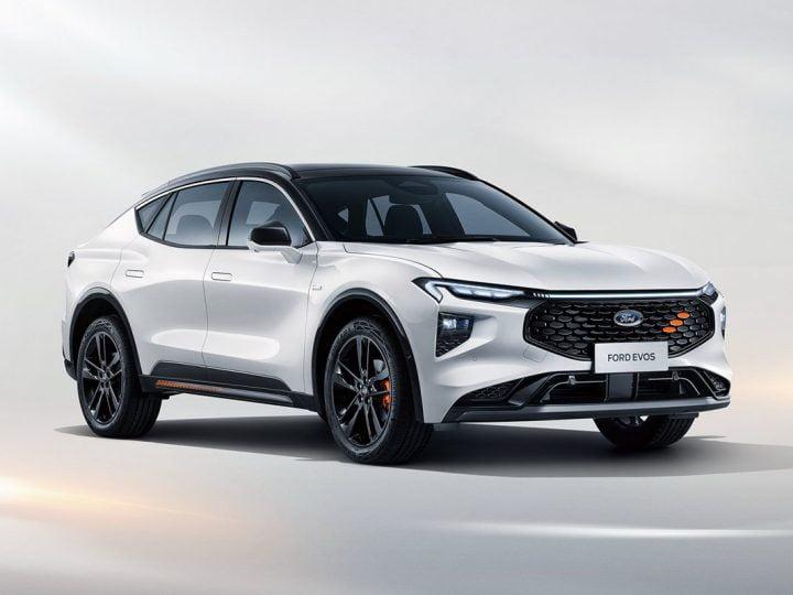 Ford Evos : la prochaine berline hybride se dévoile