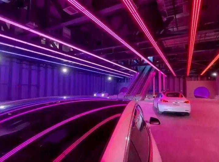 Musk a promis des voitures de 240 km / h dans son tunnel révolutionnaire de Las Vegas: la réalité …