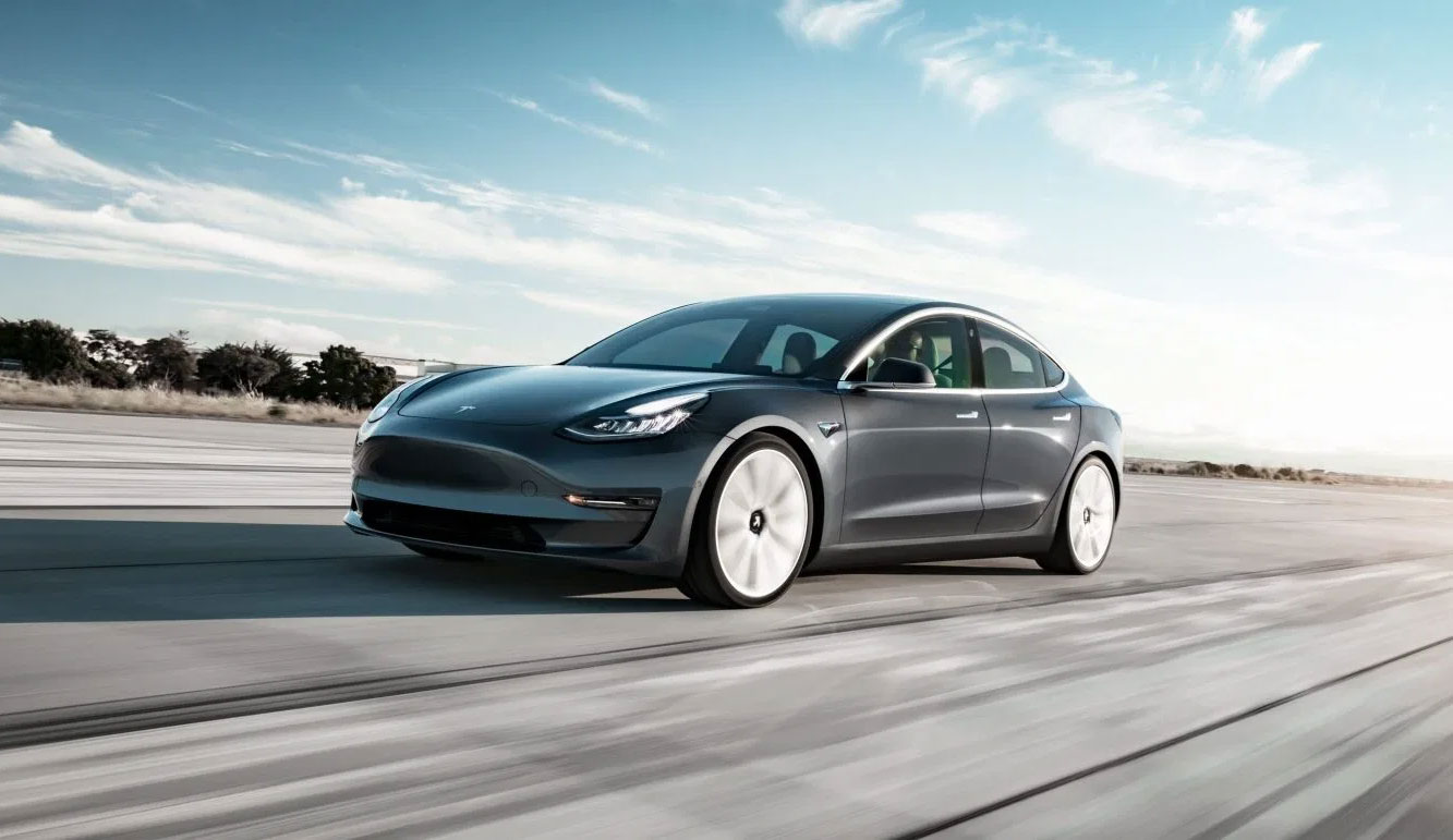 Tesla Model 3 : plus de 4 500 immatriculations en mars