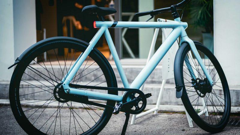 Le gouvernement français vous offre 2500 euros si vous échangez votre voiture contre un vélo électrique