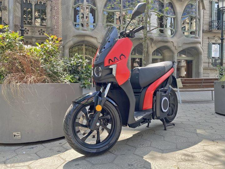 Essai Seat Mo eScooter 125, quand l'automobile se met aux 2-roues !