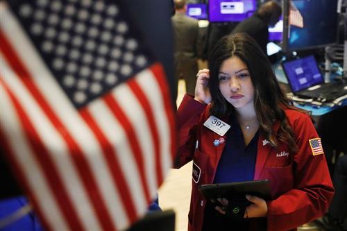 """Clôture de Wall Street : les cycliques grimpent, les """"techs"""" boudées"""