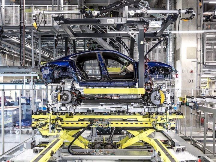 Porsche se lance dans l'industrialisation de batteries