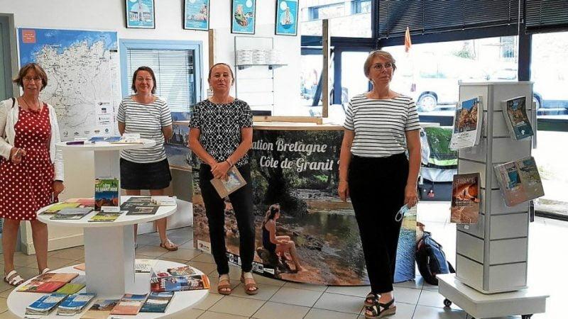 À Plouaret, l'office de tourisme éphémère inauguré