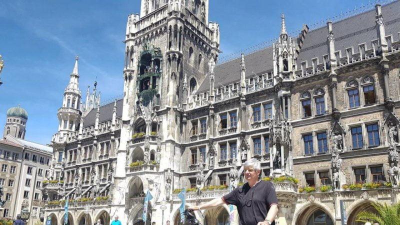 Euro-2021. Équipe de France : de Tours à Munich, le périple d'un supporter français à vélo
