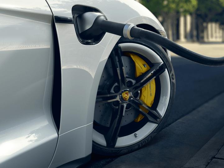 Porsche va planifier 100 propres emplacements HPC en Europe – electrive.com
