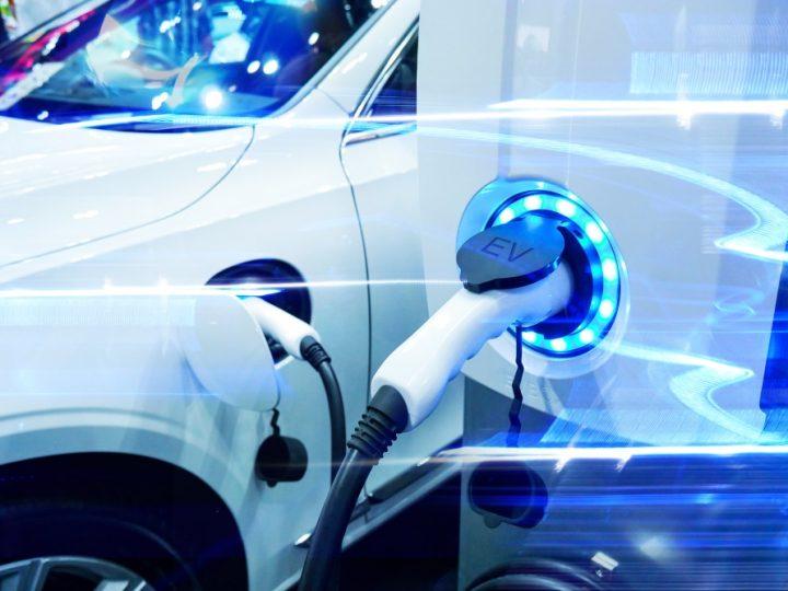 """Porsche se dirige vers une offre 100% électrique/100% """"made in Germany"""""""