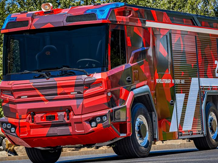 Volvo Penta construit des moteurs électriques pour Rosenbauer RT – electrive.com