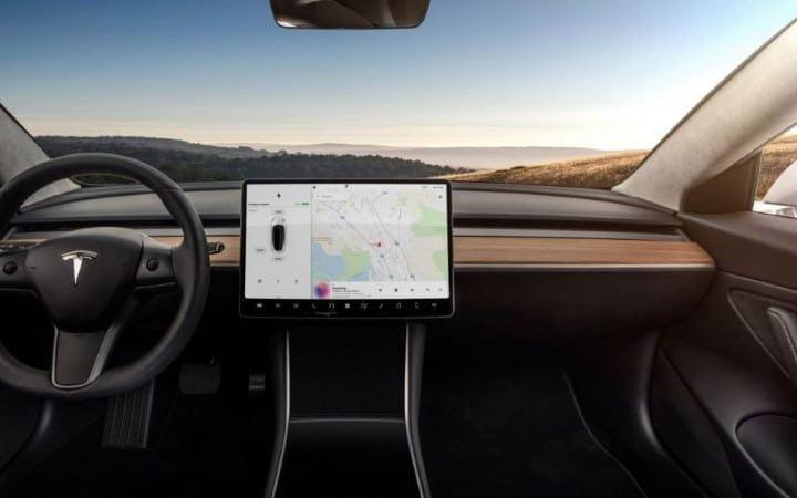 Tesla ajoute un mode lavage et Disney+ dans la dernière mise à jour