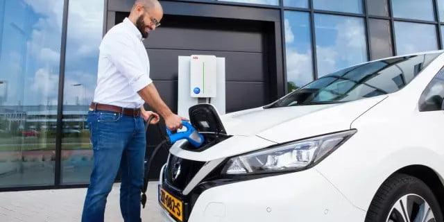 EDF : service de recharge V2G pour les clients britanniques de la flotte Nissan – electrive.com