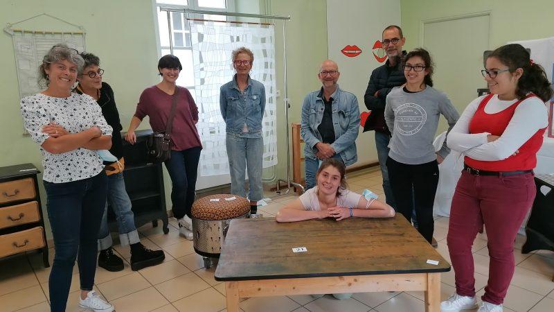 Bayeux : une expo-vente solidaire de meubles relookés