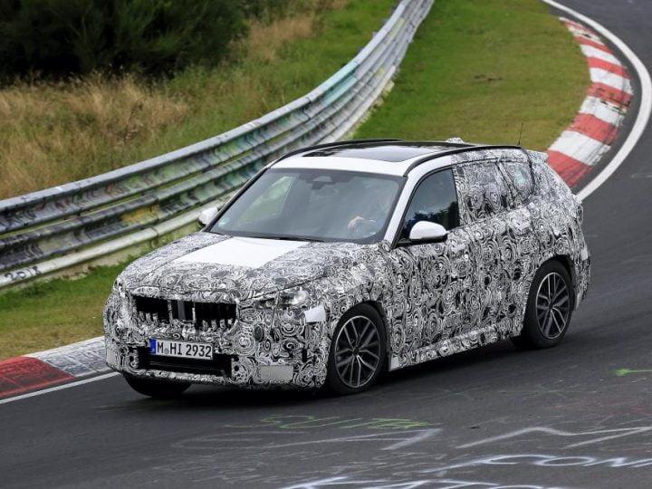 BMW X1 (2022) : le futur SUV allemand surprise sur piste en Allemagne