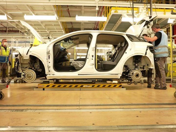 Commentaire Renault prépare la production de la Mégane électrique