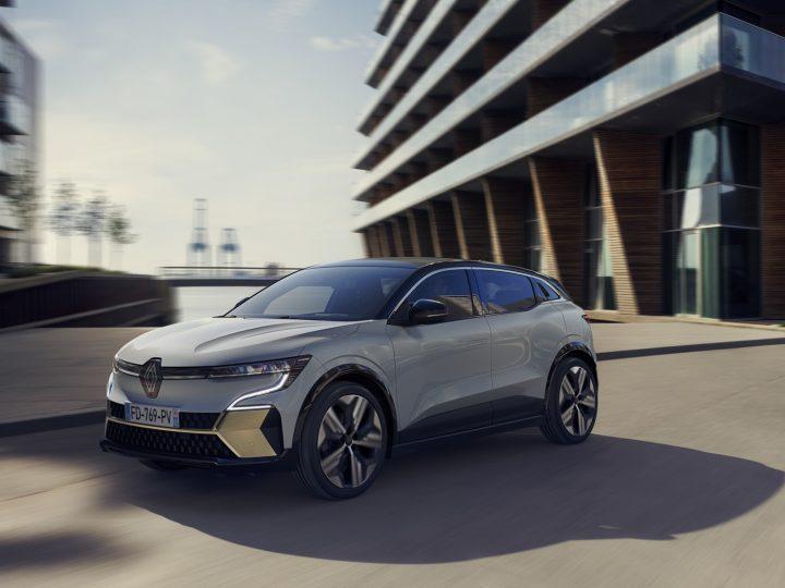 Commentaire Renault tacle Tesla au pub de la Mégane électrique