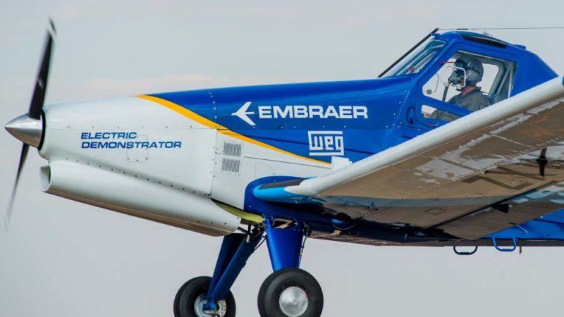 Vol inaugural de l'Embraer EMB-203 Ipanema électrique