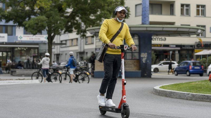 A Bienne, les trottinettes électriques se branchent sur l'avenir